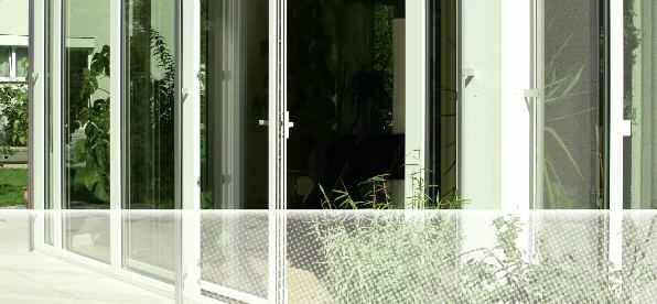 Lygagrečia -slankiojančios atverčiamos durys